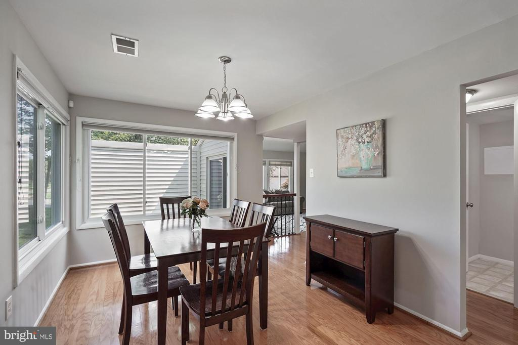 - 104 S MIDLAND AVE, STERLING