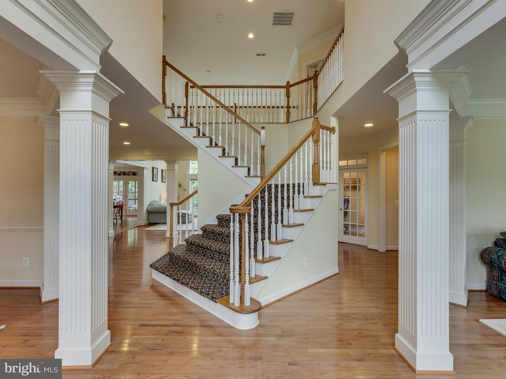Two story entrance way greets you as you enter. - 42294 IRON BIT PL, CHANTILLY