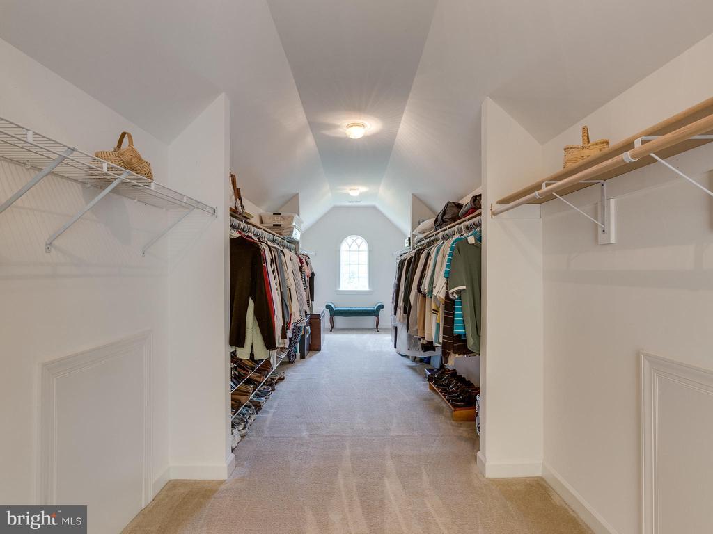 8 X 30 ft walk- in closet! - 42294 IRON BIT PL, CHANTILLY