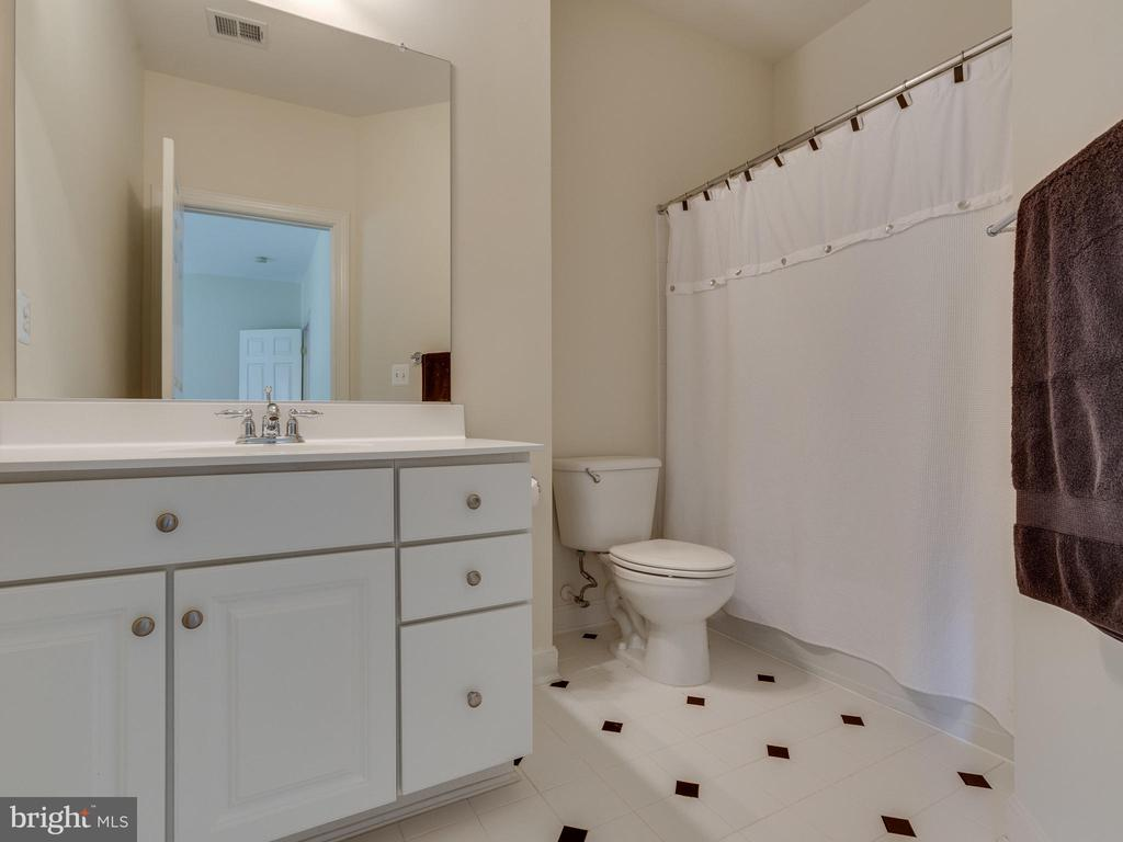 All bedrooms have a walk-in closet /private bath - 42294 IRON BIT PL, CHANTILLY