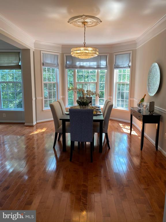 Dining room comfortably seats 12 - 42939 PARK BROOKE CT, BROADLANDS