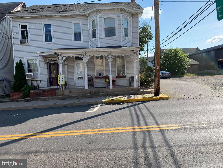 Duplex Homes için Satış at Elizabethville, Pennsylvania 17023 Amerika Birleşik Devletleri