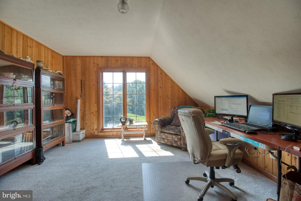 Lots of natural light - 14016 HARRISVILLE RD, MOUNT AIRY