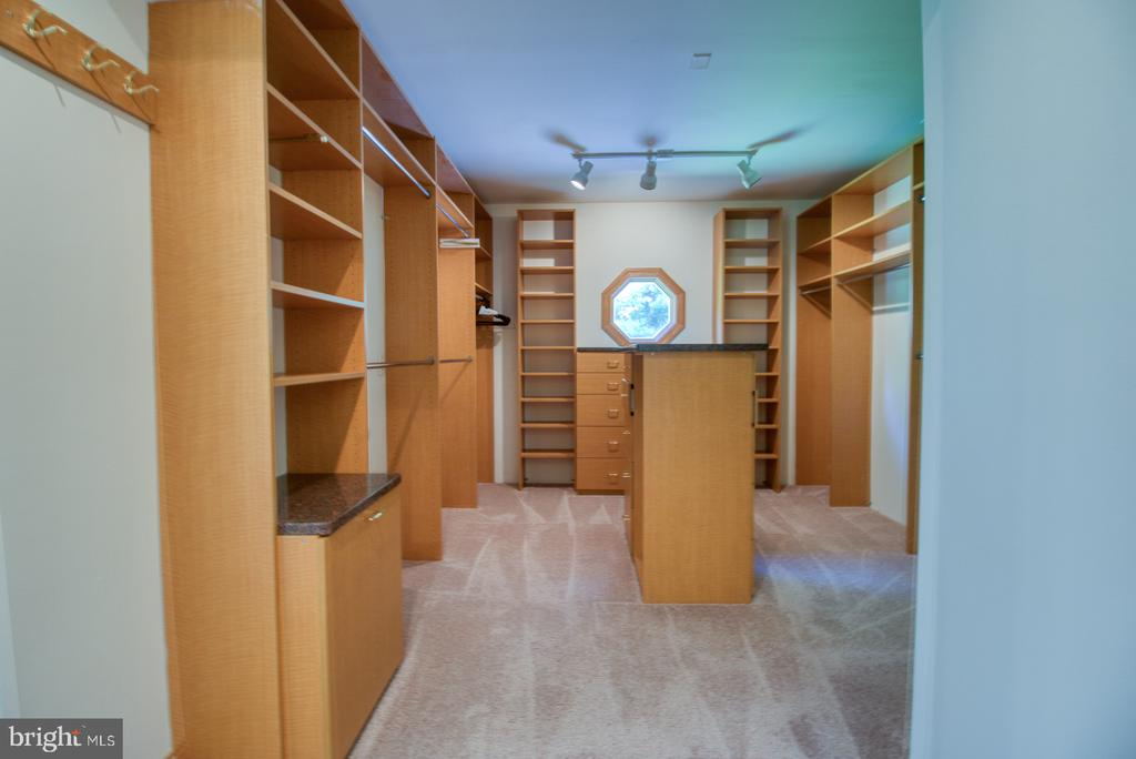 Owners walk-in closet - 14016 HARRISVILLE RD, MOUNT AIRY