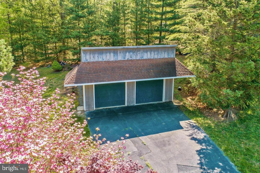 2nd outbuilding - 14016 HARRISVILLE RD, MOUNT AIRY