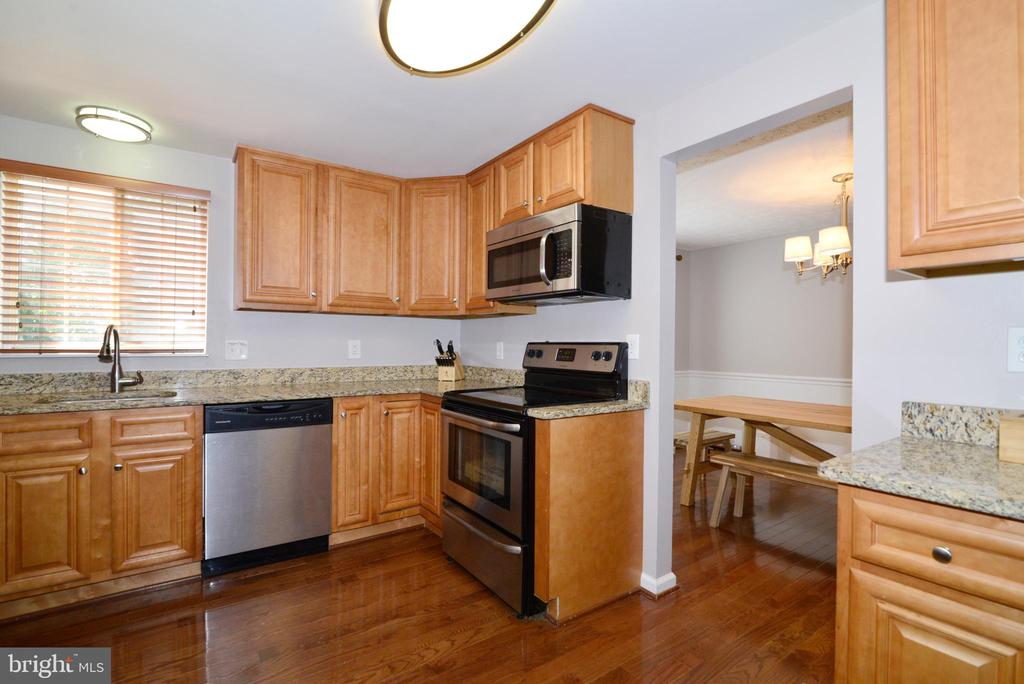 Kitchen - 111 S DICKENSON AVE, STERLING