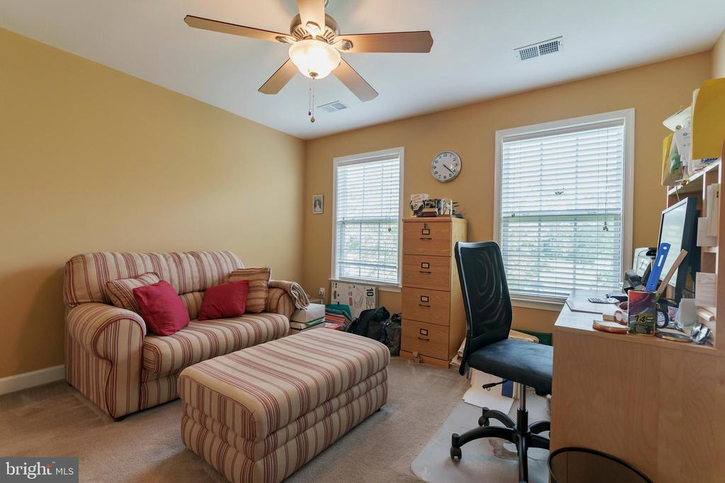 Upstairs office or bedroom 4 - 12 BLOSSOM TREE CT, STAFFORD
