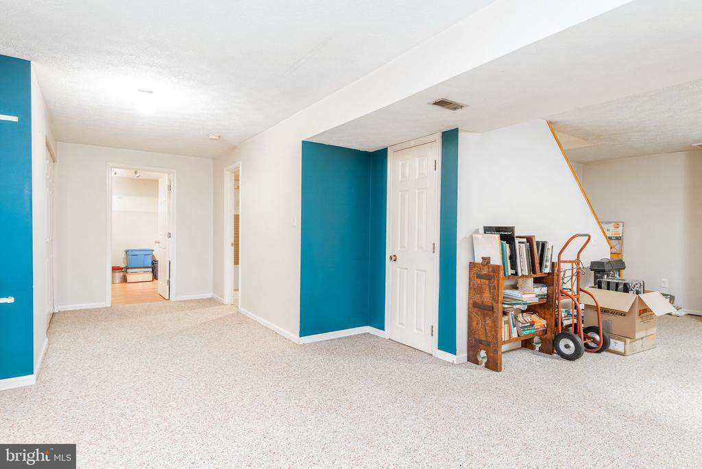 - 39 CONIFER CT, HARPERS FERRY