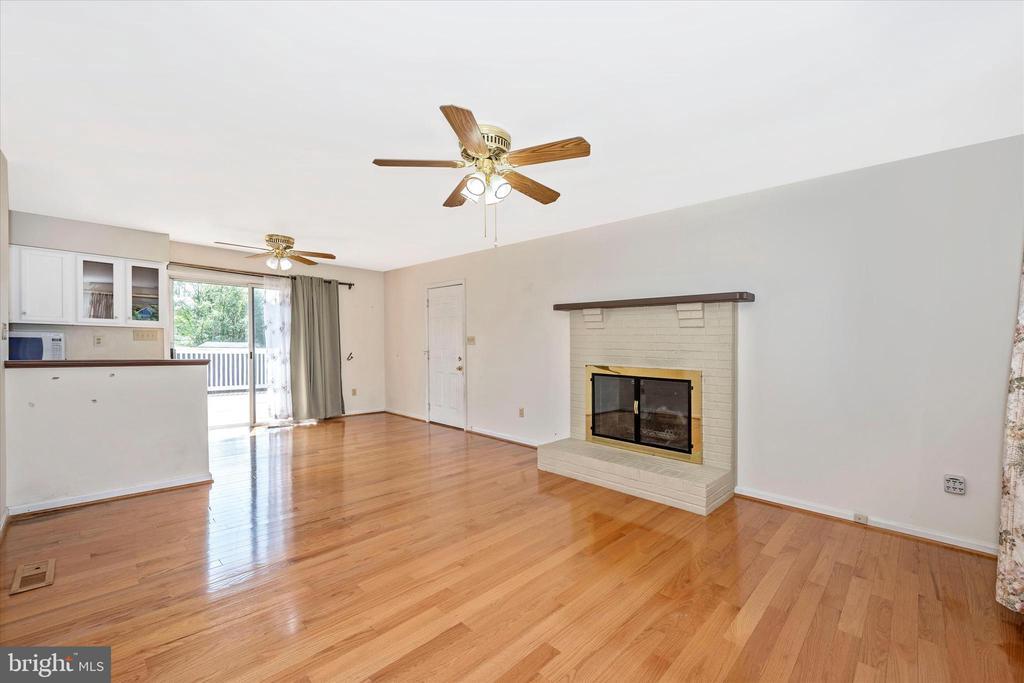 Living Room - 34 TERBEN CT, THURMONT
