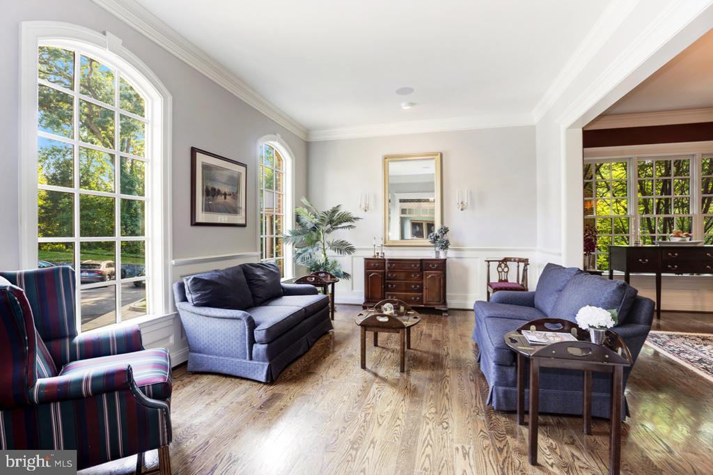 Living Room - 4005 N RICHMOND ST, ARLINGTON