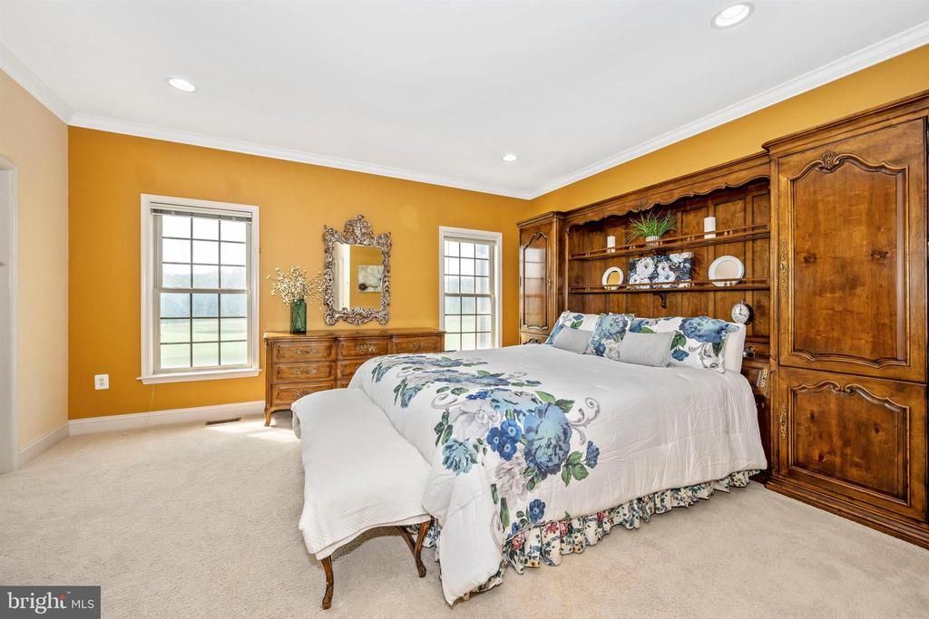 Master bedroom with views of golf course - 31 BATTERY RIDGE DR, GETTYSBURG