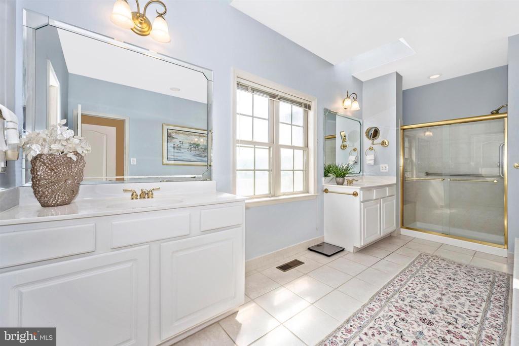 Freshly painted and ceramic tile flooring - 31 BATTERY RIDGE DR, GETTYSBURG