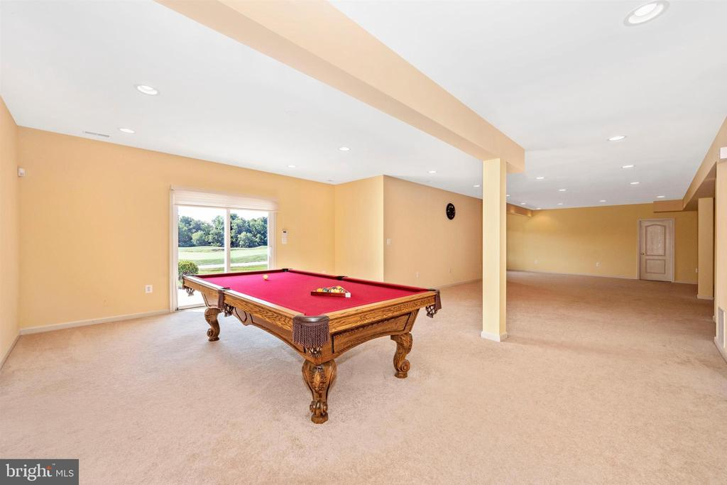Pool table conveys! - 31 BATTERY RIDGE DR, GETTYSBURG