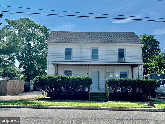 Duplex Homes 为 销售 在 Cedarville, 新泽西州 08311 美国