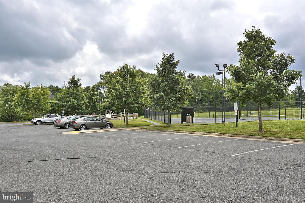 And, neighborhood tennis courts. - 18728 POTOMAC STATION DR, LEESBURG