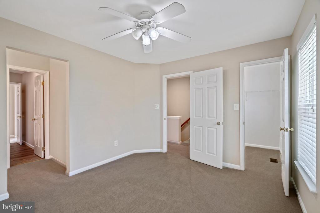BR 2 with walk-in closet - 25495 GOVER DR, CHANTILLY