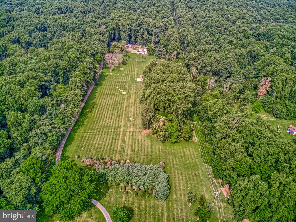 This Property is a Must See! - 12637 MOUNTAIN RD, LOVETTSVILLE