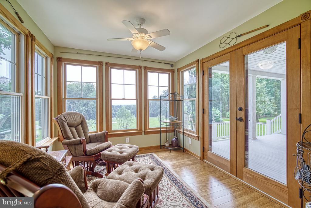 Sunroom with Mountain Views - 12637 MOUNTAIN RD, LOVETTSVILLE