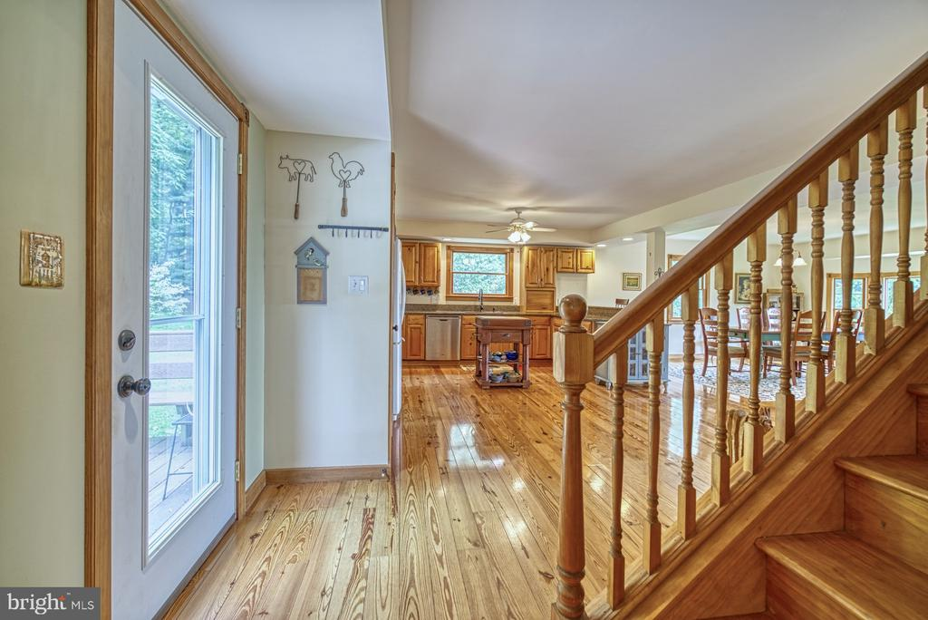 Entrance Hall - 12637 MOUNTAIN RD, LOVETTSVILLE
