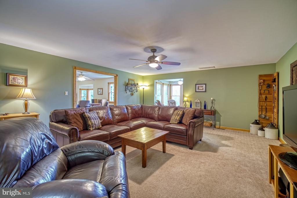 Family Room - 12637 MOUNTAIN RD, LOVETTSVILLE