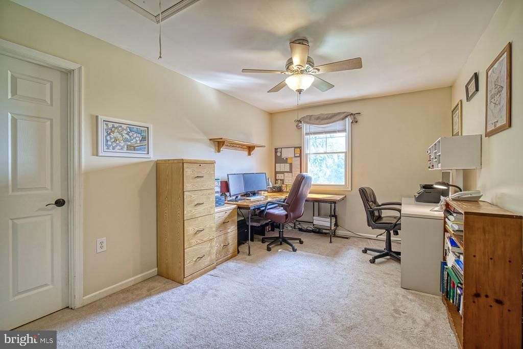 Upper Level - Loft Area, great for Home Office - 12637 MOUNTAIN RD, LOVETTSVILLE