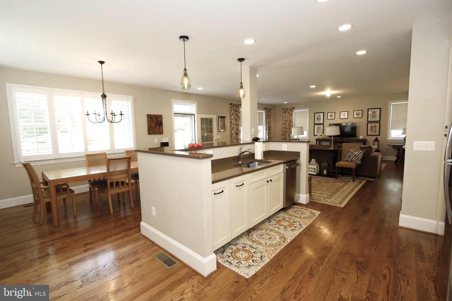 Single Family Homes için Satış at Sterling, Virginia 20165 Amerika Birleşik Devletleri