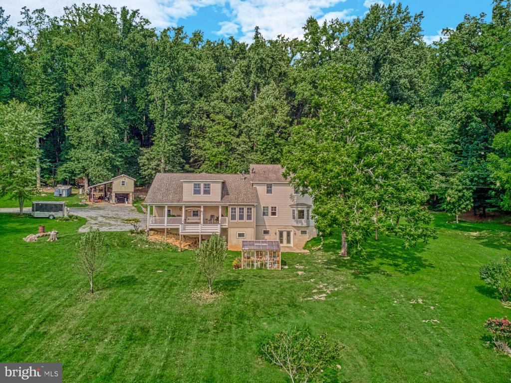 Great Location, Paved Roads, No HOA! - 12637 MOUNTAIN RD, LOVETTSVILLE