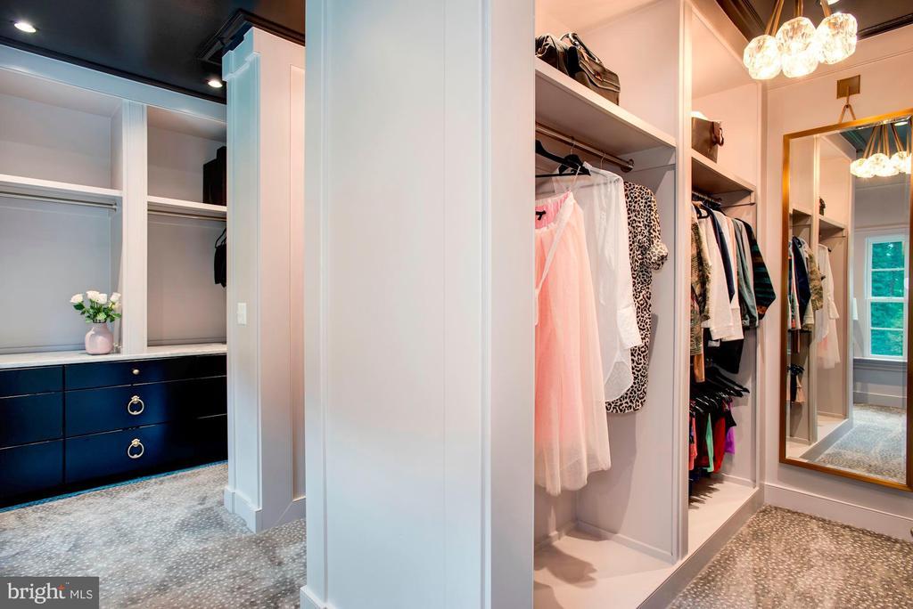 Her Walk-In Closet - 7024 ARBOR LN, MCLEAN