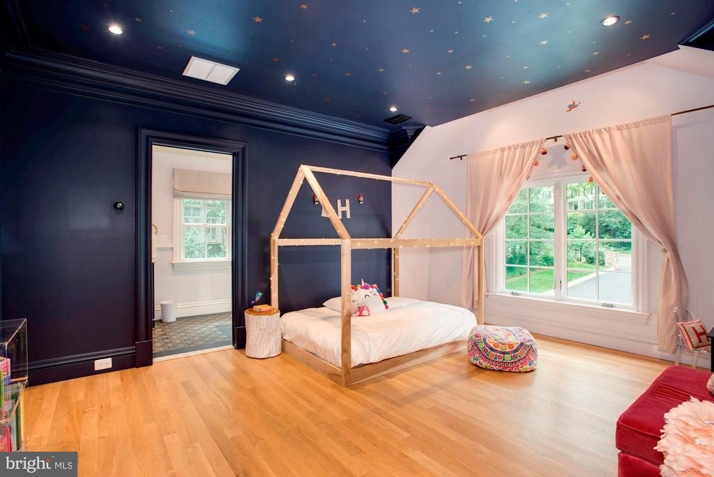 Second Master Bedroom - 7024 ARBOR LN, MCLEAN