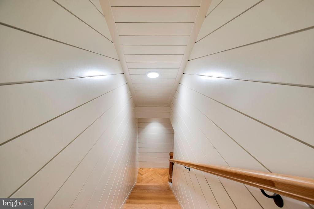 Stairs to Lower Level - 7024 ARBOR LN, MCLEAN