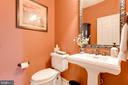 Main level powder room - 17765 BRAEMAR, LEESBURG