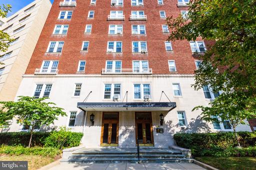 1954 COLUMBIA RD NW #402