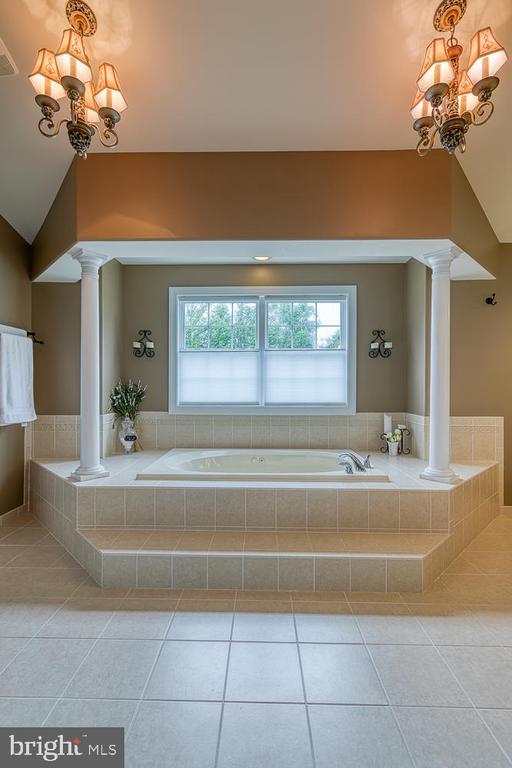 Luxurious Master Bath - 3 ETERNITY CT, STAFFORD