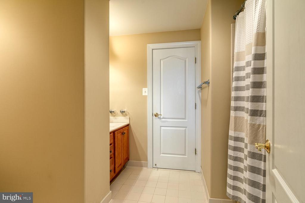 Bathroom 5 - 3 ETERNITY CT, STAFFORD