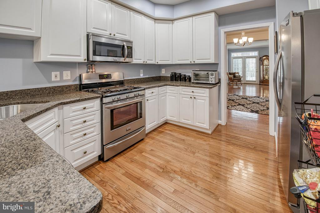 Granite Counters & Stainless Appliances - 2406 RIPPLING BROOK RD, FREDERICK