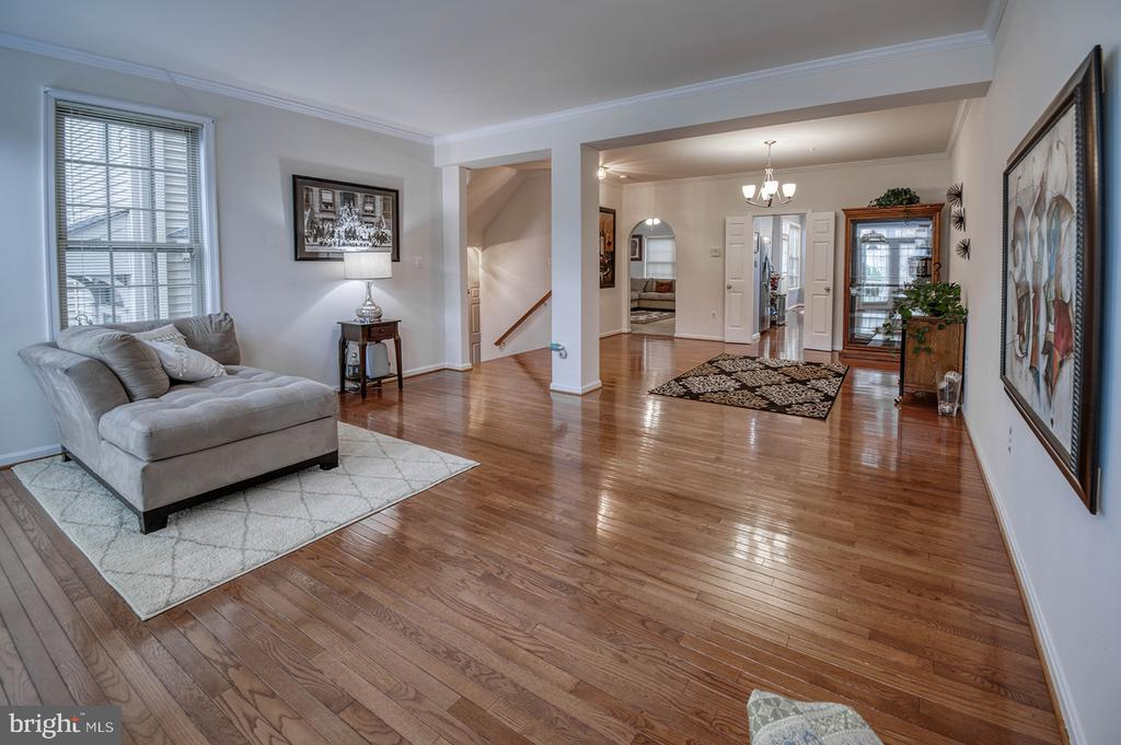 Living Room Beautiful Hardwood Floors - 2406 RIPPLING BROOK RD, FREDERICK
