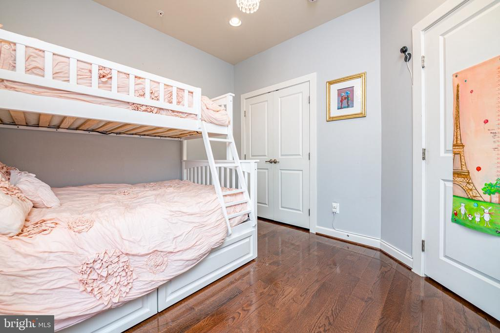 2nd bedroom with large closet on 3rd level - 3504 11TH ST S, ARLINGTON