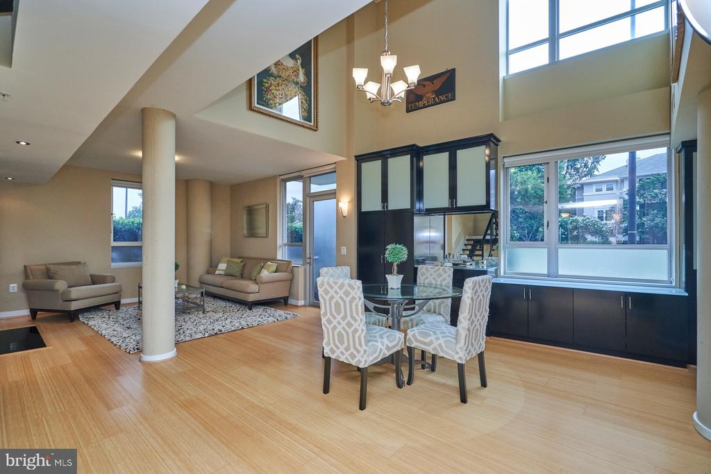 Two Story Dining Room - 12025 NEW DOMINION PKWY #G-118, RESTON