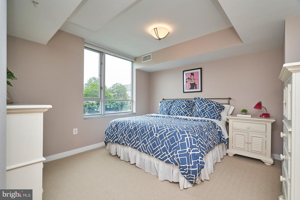 Second Bedroom Upstairs - 12025 NEW DOMINION PKWY #G-118, RESTON