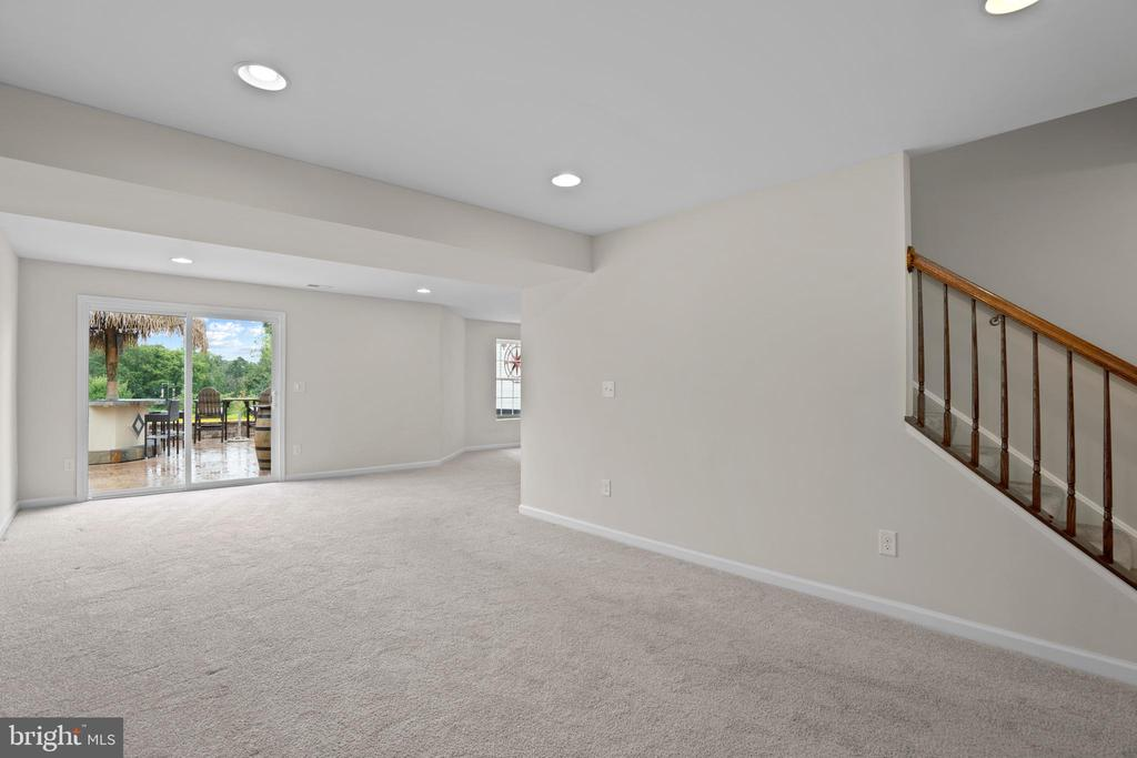 Walk Out from the Lower Level to the Patio - 43264 HEAVENLY CIR, LEESBURG