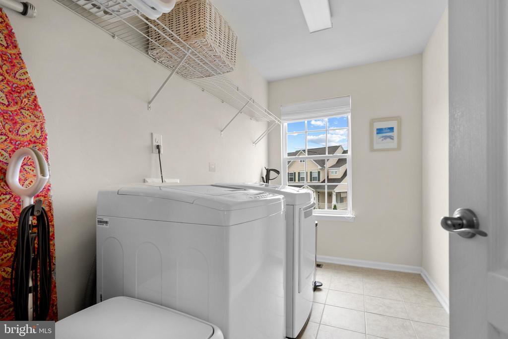 Upper Level Laundry Room - 43264 HEAVENLY CIR, LEESBURG