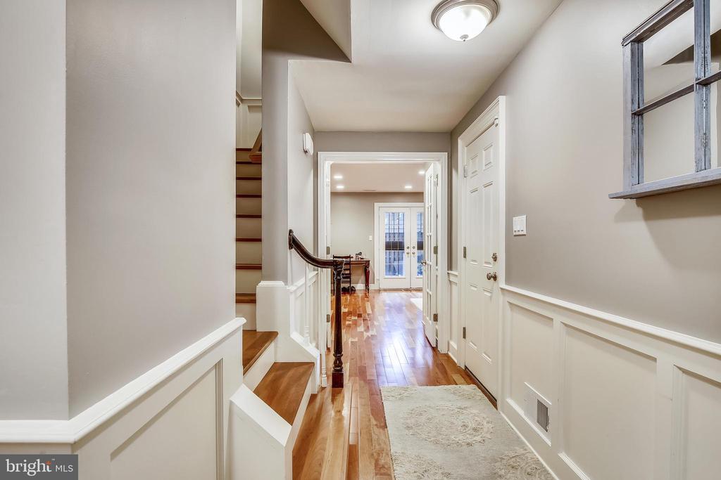 Foyer Entrance - 1176 N UTAH ST, ARLINGTON