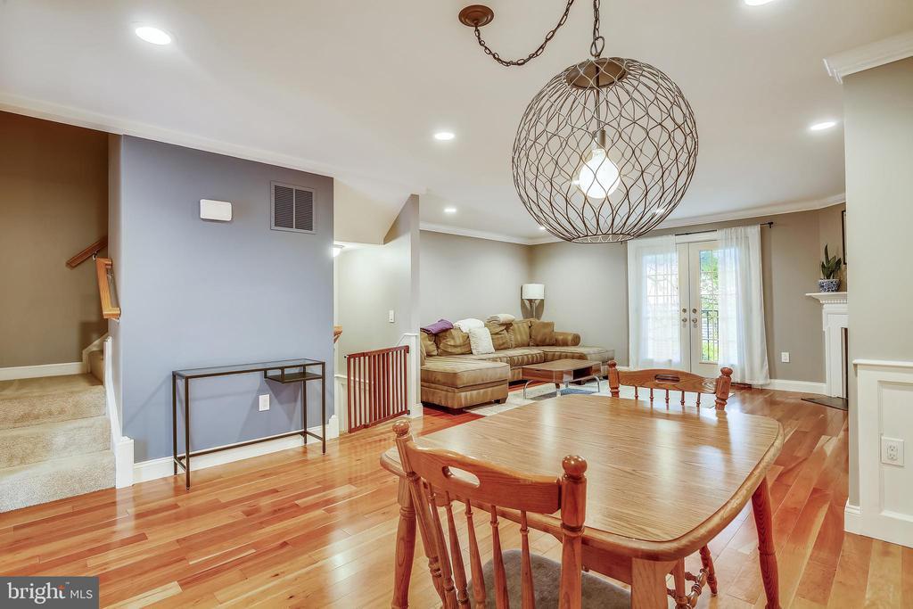 Living / Dining Room - 1176 N UTAH ST, ARLINGTON
