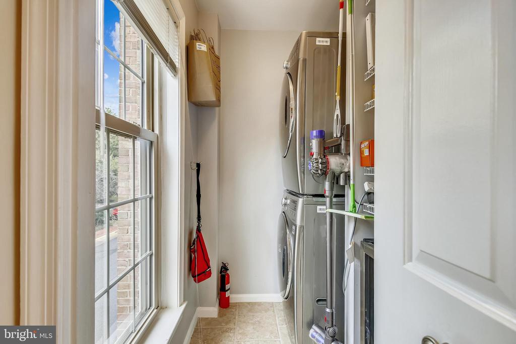 Bright Laundry Room with Window - 1176 N UTAH ST, ARLINGTON