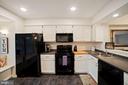 Kitchen - Recess Lighting, Matching Appliances - 8486 SPRINGFIELD OAKS DR, SPRINGFIELD