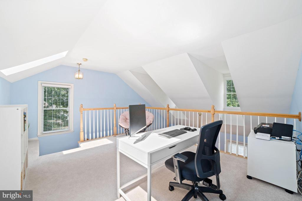 Attached to Loft is a Generously Sized Storage Rm - 8486 SPRINGFIELD OAKS DR, SPRINGFIELD