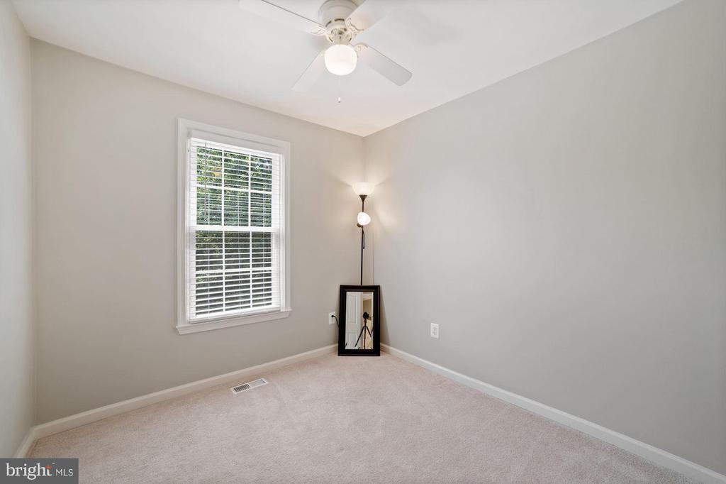 Bedroom #3 - Soft Gray Color Palette - 8486 SPRINGFIELD OAKS DR, SPRINGFIELD