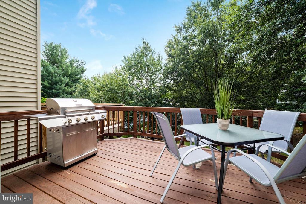 Deck - Serene Wooded Views! - 8486 SPRINGFIELD OAKS DR, SPRINGFIELD