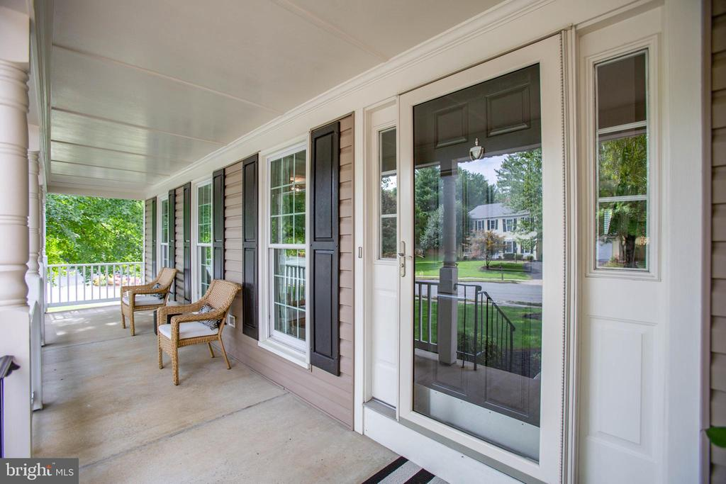 Deep, concrete front porch - 1 NEW BEDFORD CT, STAFFORD