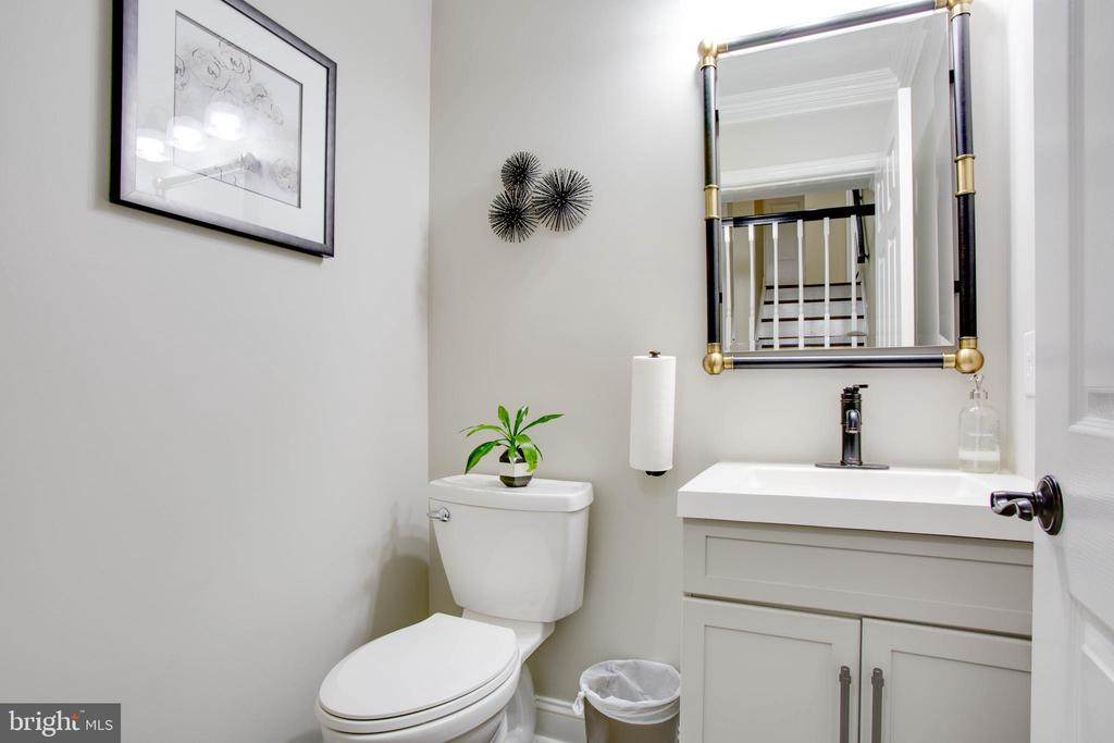 Updated(2017)  half bath on the main level - 1 NEW BEDFORD CT, STAFFORD